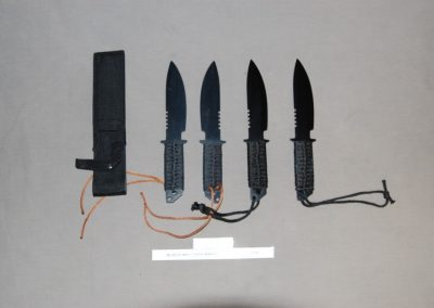 black+military+knife+2+real+2+rubber+f1-2