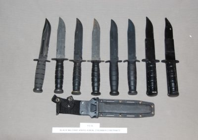 black+military+knife+4+real+2+rubber+2+retract+f2-6