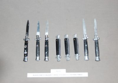black+switchblade+1+real+5+rubber+2+retractable+f2-5